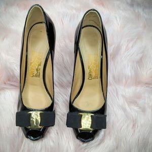 Salvatore Ferragamo Vara Leather Heels Size 6B